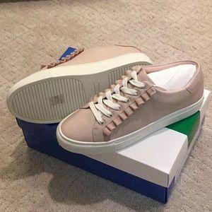 NEW Tory Sport Ruffle Sneaker Sz 8